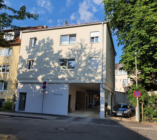 Steinhausers PKW Einfahrt