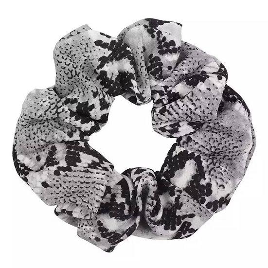 Slangeprint scrunchie
