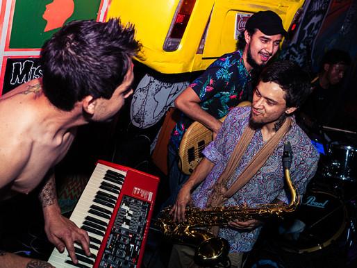 """proyectos inéditos: Frecuencias del encierro con la banda guatemalteca """"Gravity"""""""