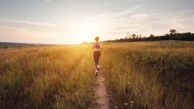 Woman running Kapuhala