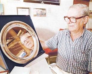 Cortes fue reconocido en Automovil Club