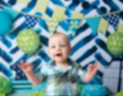 baby birthday cake smash photography blue green backdrop balloons chevrons dots