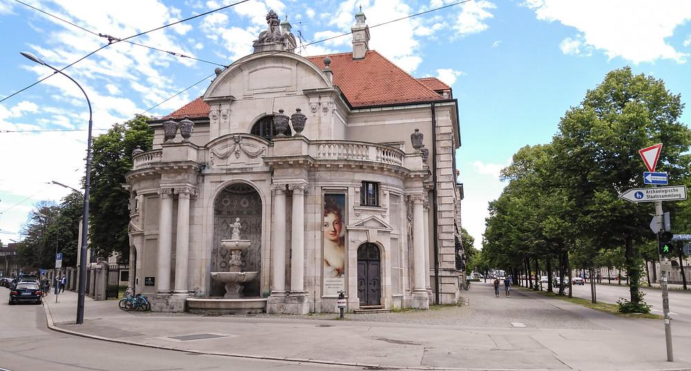 Munchenissä saneerataan vanhoja rakennuksia kovasti.