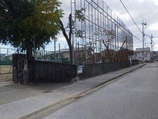 愛宕中学校西側塀等改修工事を受注