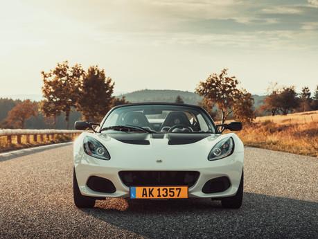 ESSAI - Road trip en Lotus Elise 220 Sport : le plaisir à l'état pur.