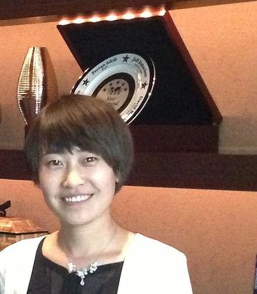 Portrait Linda Zhang 1.jpg