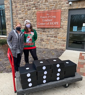 Project Fireflies Partners with the Lindner Center of Hope for the Holidays