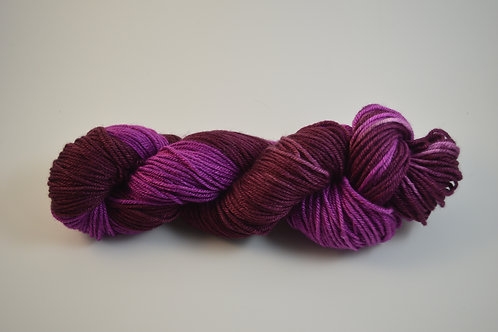 pink and marron BFL Silk DK
