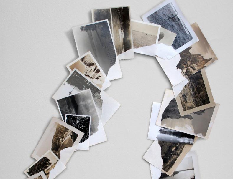 Sem título, 2020. Série Nada será como antes Fotografias apropriadas descascadas 46 x 64 cm