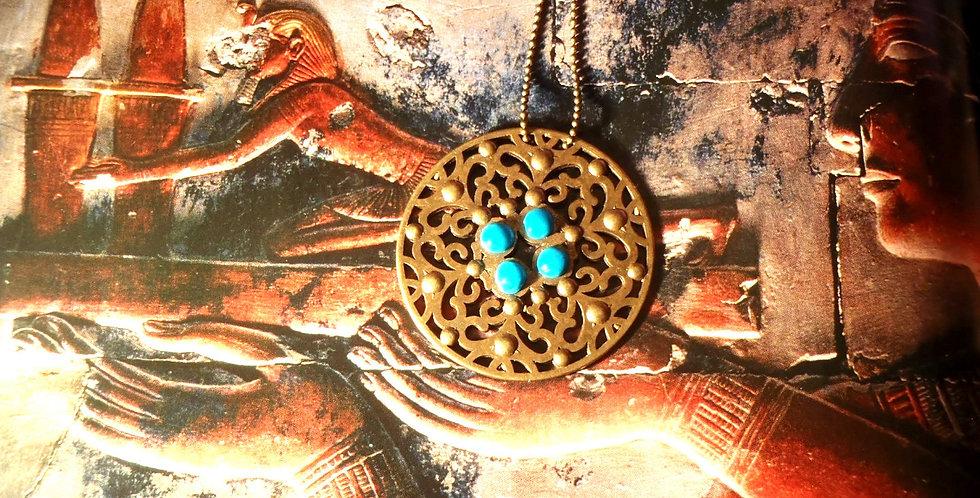 Sautoir LAPIS LAZULI, médaillon couleur bronze et pierre bleues en pâte polymère