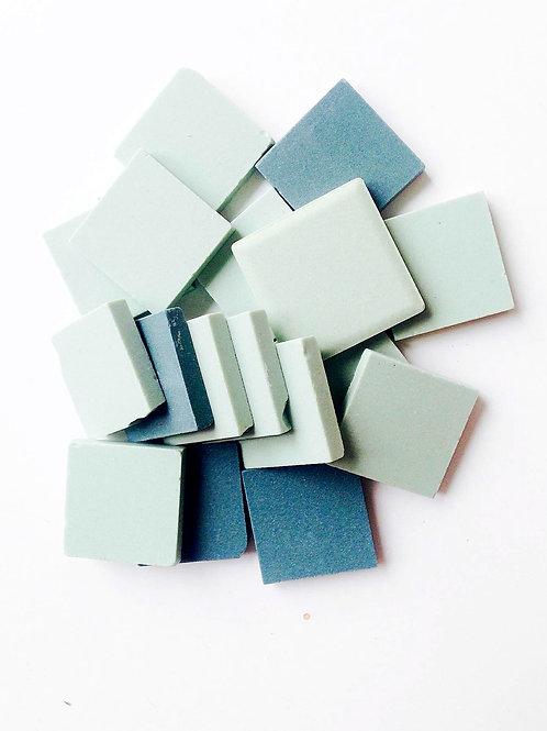 Tesselles de Mosaïque céramique 2x2 cm deux couleurs vert 60 grs