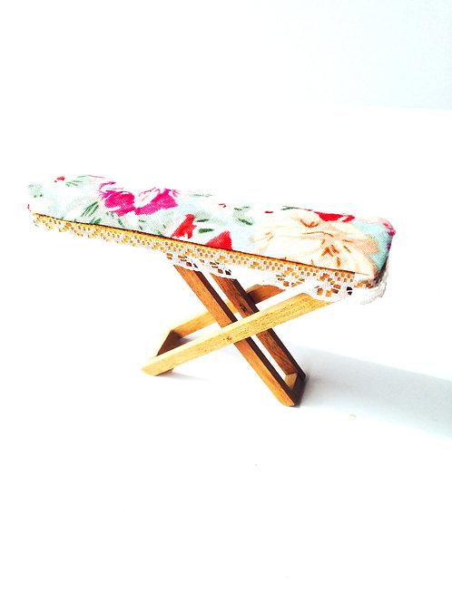 Planche à repasser miniature,  ancienne réhabilitée nouveau tissu, 10 x 12 x 2