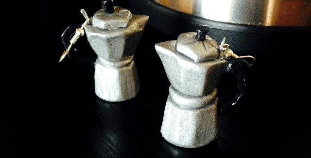 Boucles d'oreilles Les CAFETIÈRES ITALIENNES, miniatures, pâte polymère