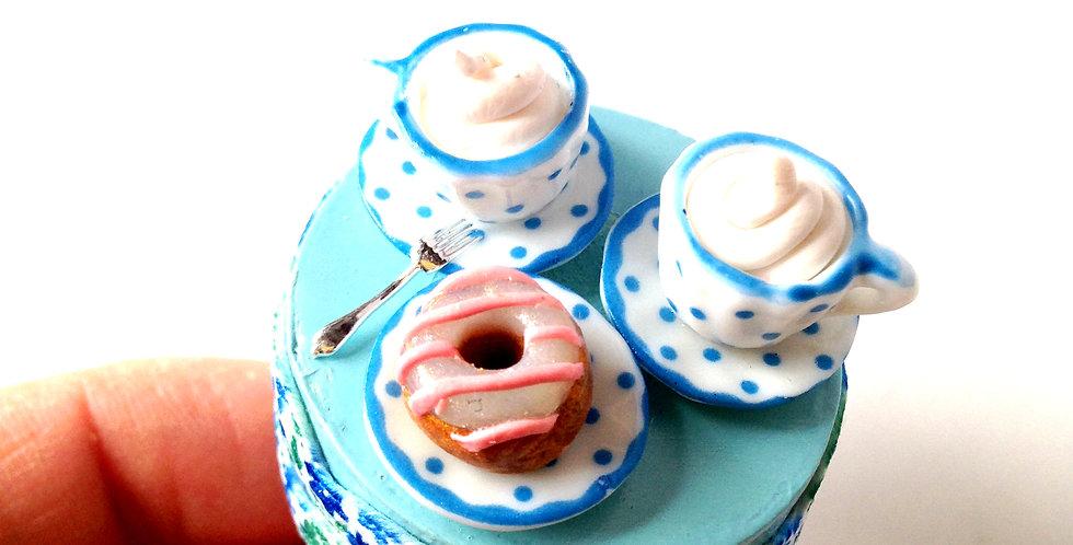 Bague DINETTE, tons bleus, tasse miniature