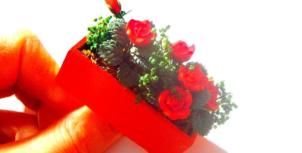 Bague LE BAC D'ABORD, bac de roses rouges miniatures, ajustable
