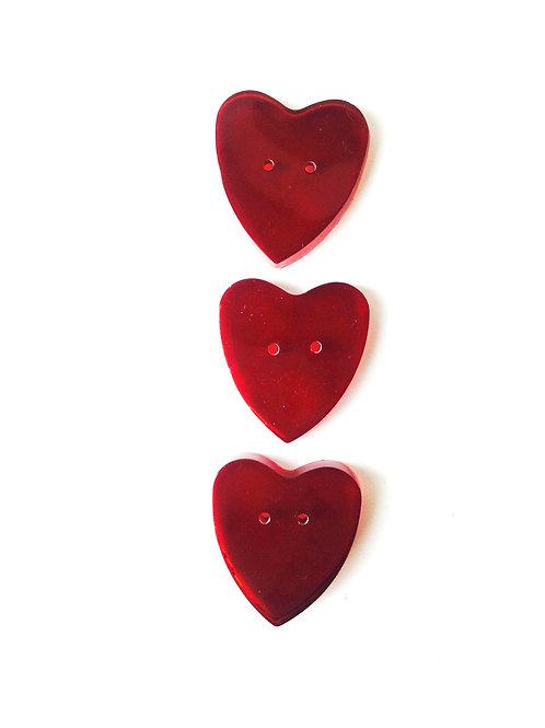 3 Petits boutons coeurs bordeaux en résine faits main