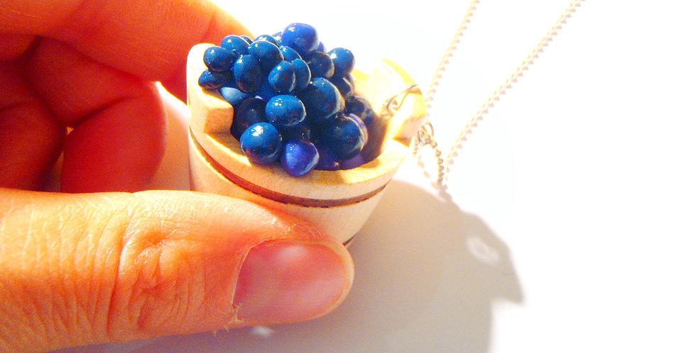 Sautoir LES VENDANGES, cuve miniature