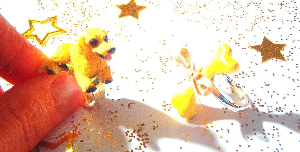 Bague double LE CADEAU, petit chien et son os, miniature