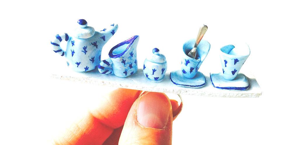 Bague Le P'TIT BED and BREAKFAST, service à thé miniature bleu, fait main