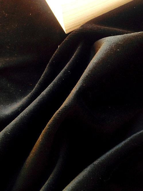 Velours Noir tapissier, morceau de 95 x 84 cm