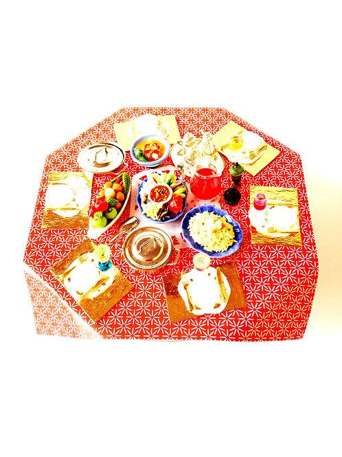 Table garnie miniature, table de fête, avec objets collés par SophieLDesign