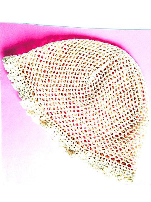 Bonnet au crochet, dentelle ancienne réhabilitée, couleur écru taille adulte
