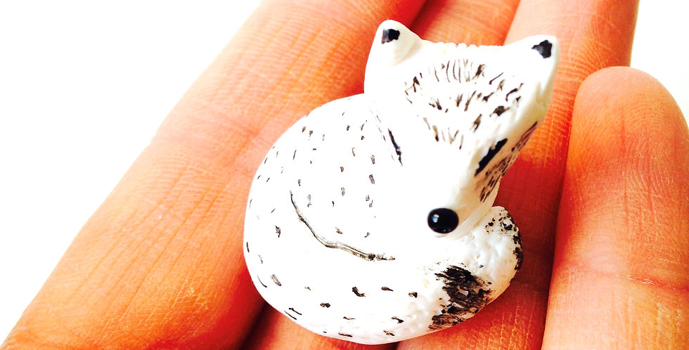 Renard des Neiges, renard arctique, petite statue miniature