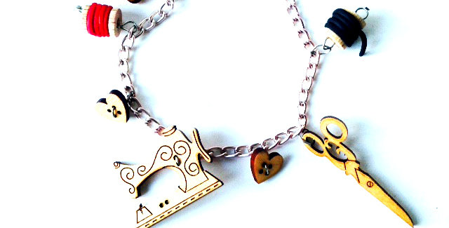 Bracelet COUSETTE, charms en bois