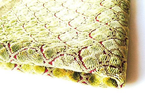 Toile tapissière, vert anis et bordeaux, à motifs 131 x 59 cm