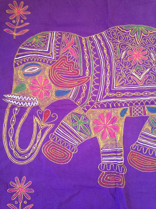 Batik Indien ELÉPHANT, brodé au fil d'or, technique zardosi, violet