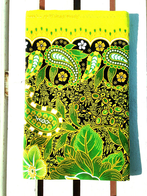 Batik Indonésien, GOLD couleur VERT ANIS / NOIR