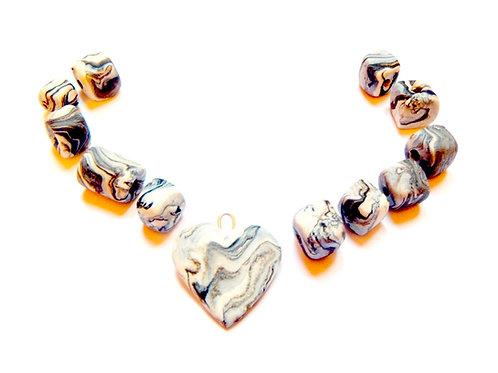 Perles carrées et coeur, noir et blanc, faites main pour collier, pâte polymère