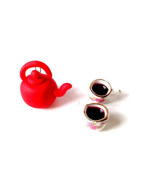 Breloque Théière miniature rouge