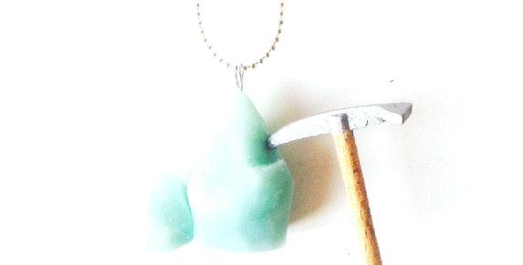 Sautoir LE GLACIER, piolet et glacier miniature