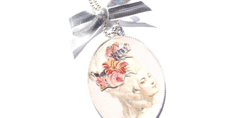 Sautoir MARIE LA COQUETTE, Marie Antoinette, rose et argenté