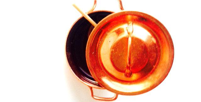 Bague LA CONFITURE de Cassis, mini casserole en cuivre avec cuiller. The Sausage