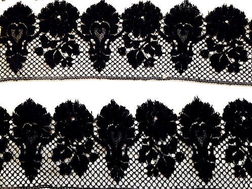 Galon dentelle noire Fleur+Coeur, dentelle ancienne, trés bon état 247cm x 8cm