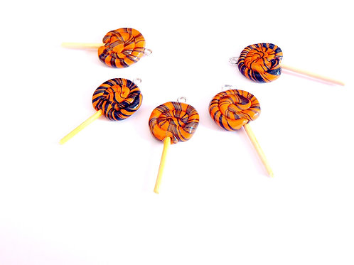 Breloques 5 mini sucettes caramel réglisse