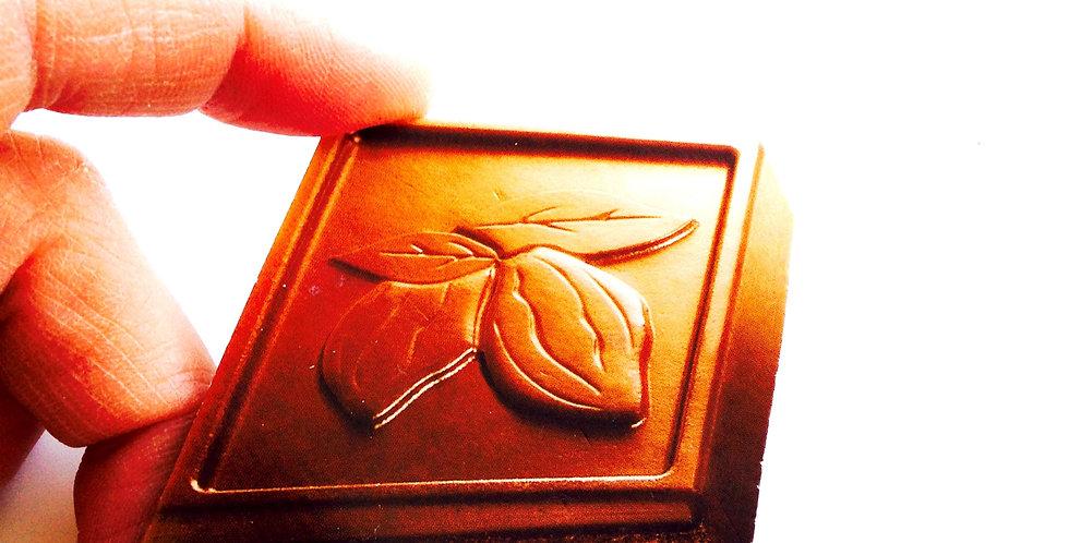 Broche CARRÉMENT BON, carré de chocolat géant