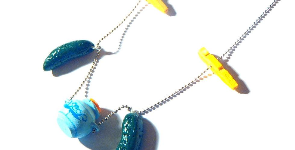 Sautoir LES P'TITS CORNICHONS, pot de cornichon et pinces miniatures