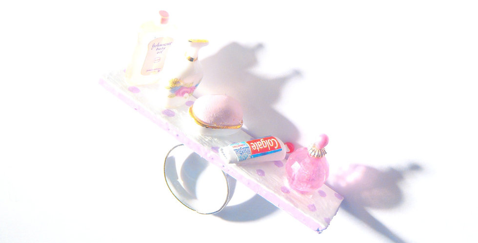 Bague LA SALLE DE BAIN, étagère miniature, produits