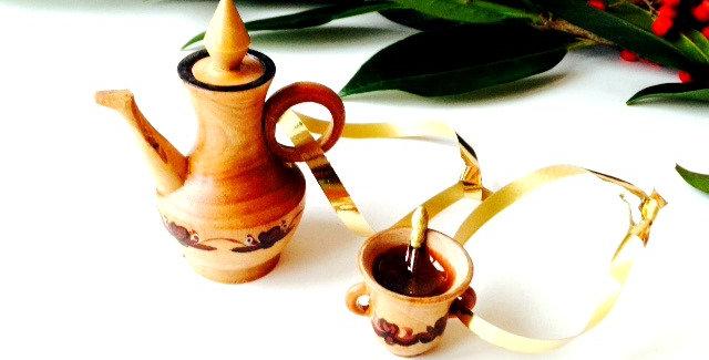 Décoration de Noël pour le sapin, théière et tasses en bois miniatures