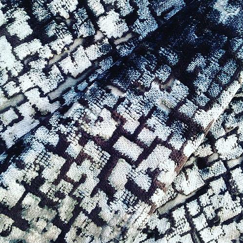 Tissu --Velours texturé bleu gris, reflets brillants, motifs géométriques