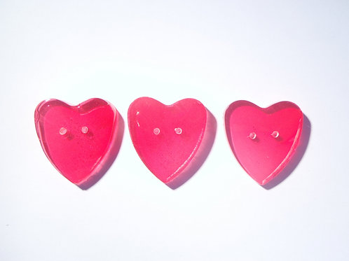 3 petits boutons Coeurs, couleur grenadine en résine, faits main