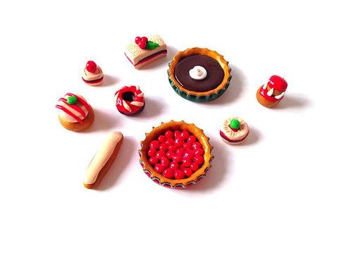 Gâteaux miniatures, lot de 9 sur commande échelle 1:8 ème, en pâte polymère
