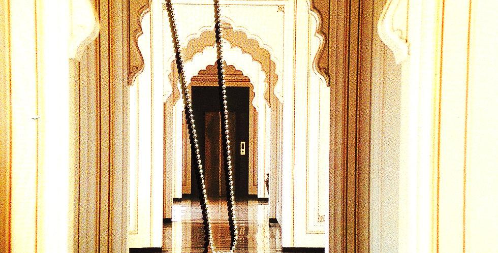 Sautoir RAMAYANA, pendentif rond dentelle ajourée