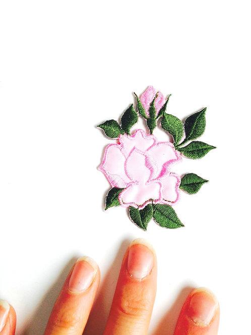 Appliqué thermocollant brodé ROSE ET BOUTON DE ROSE rose et vert, printemps
