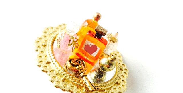 Bague MARYLIN, ajustable parfums miniatures, mini miroir par The Sausage