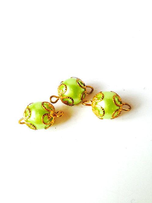 Lot de 3 belles perles couleur anis, avec dorures