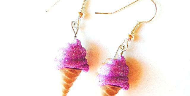 Boucles d'oreilles Les Glacettes-- CASSIS boutons en résine, paillettes